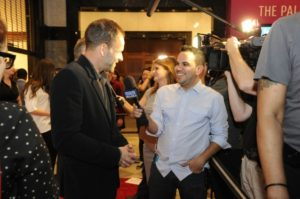 Jonny Lee Miller Answers Questions on the Red Carpet