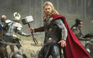 Thor-The-Dark-World--Thor holding hammer in mid-battle